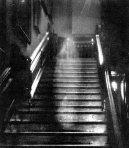 Brown Lady of Raynham Hall ghostlady dead scary